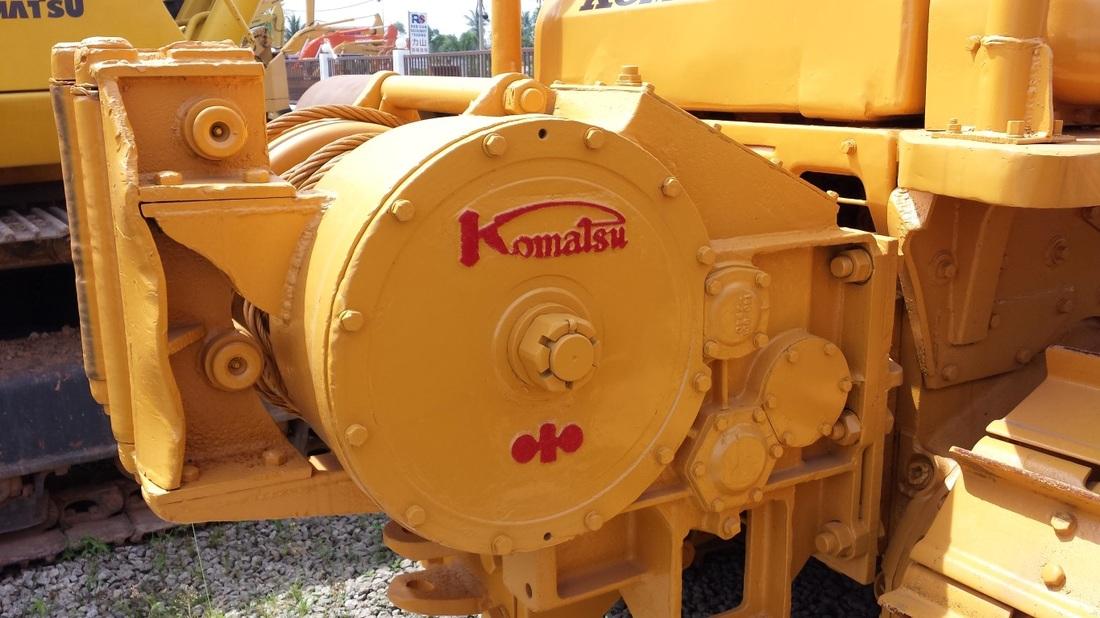 KOMATSU D60-6